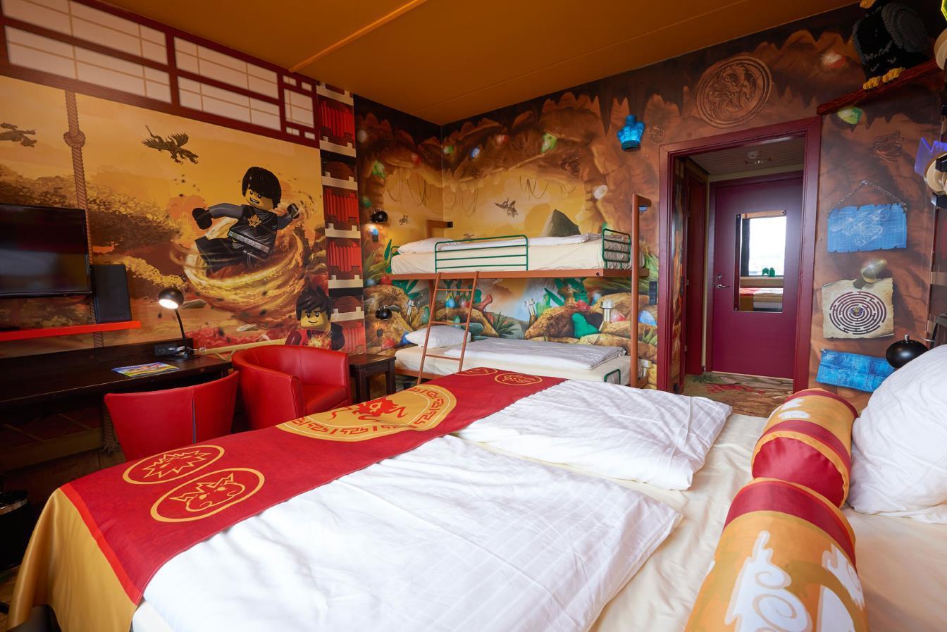 Hotel legoland lego ninjago room legoland holidays - Bed kamer ...