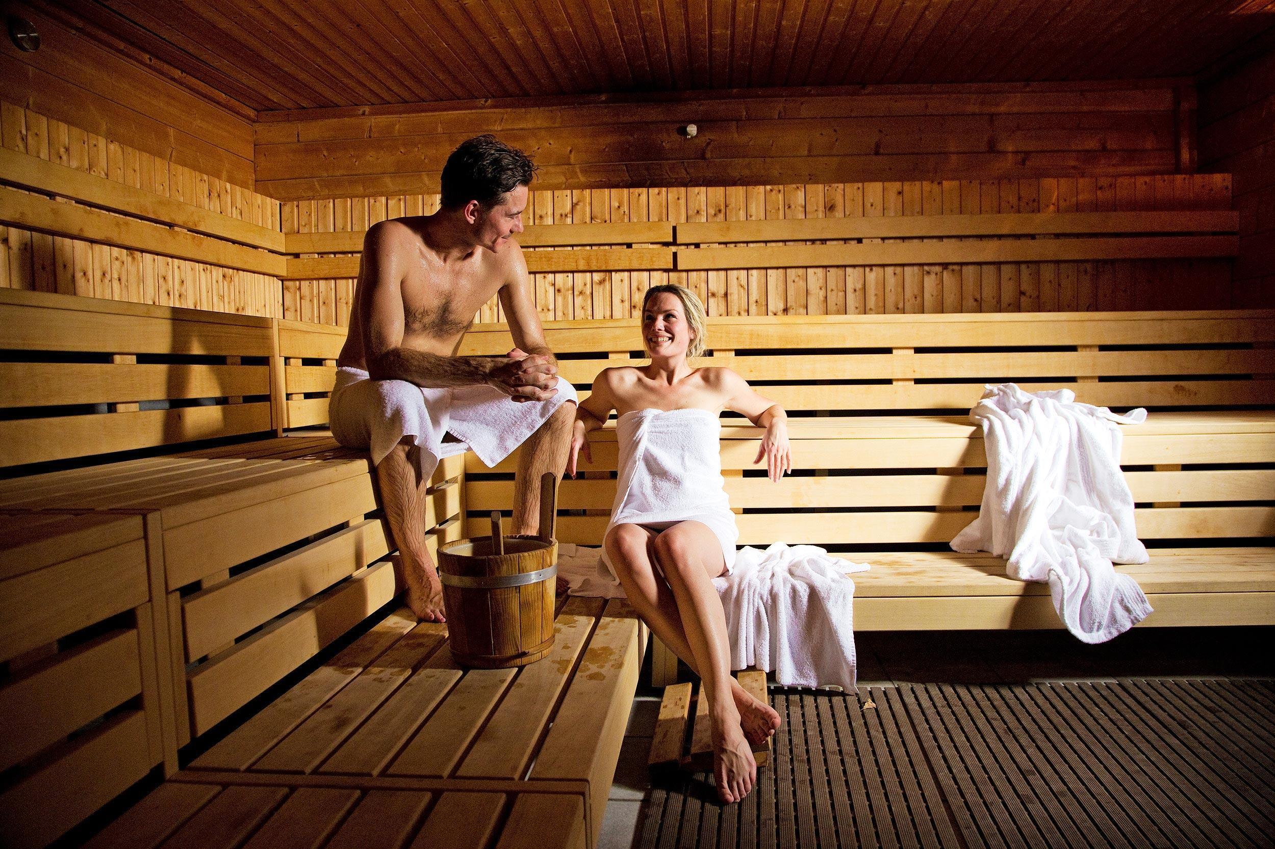 Рассказ секс в бане с друзьями, Порно рассказ: В первый раз с другом в бане 17 фотография